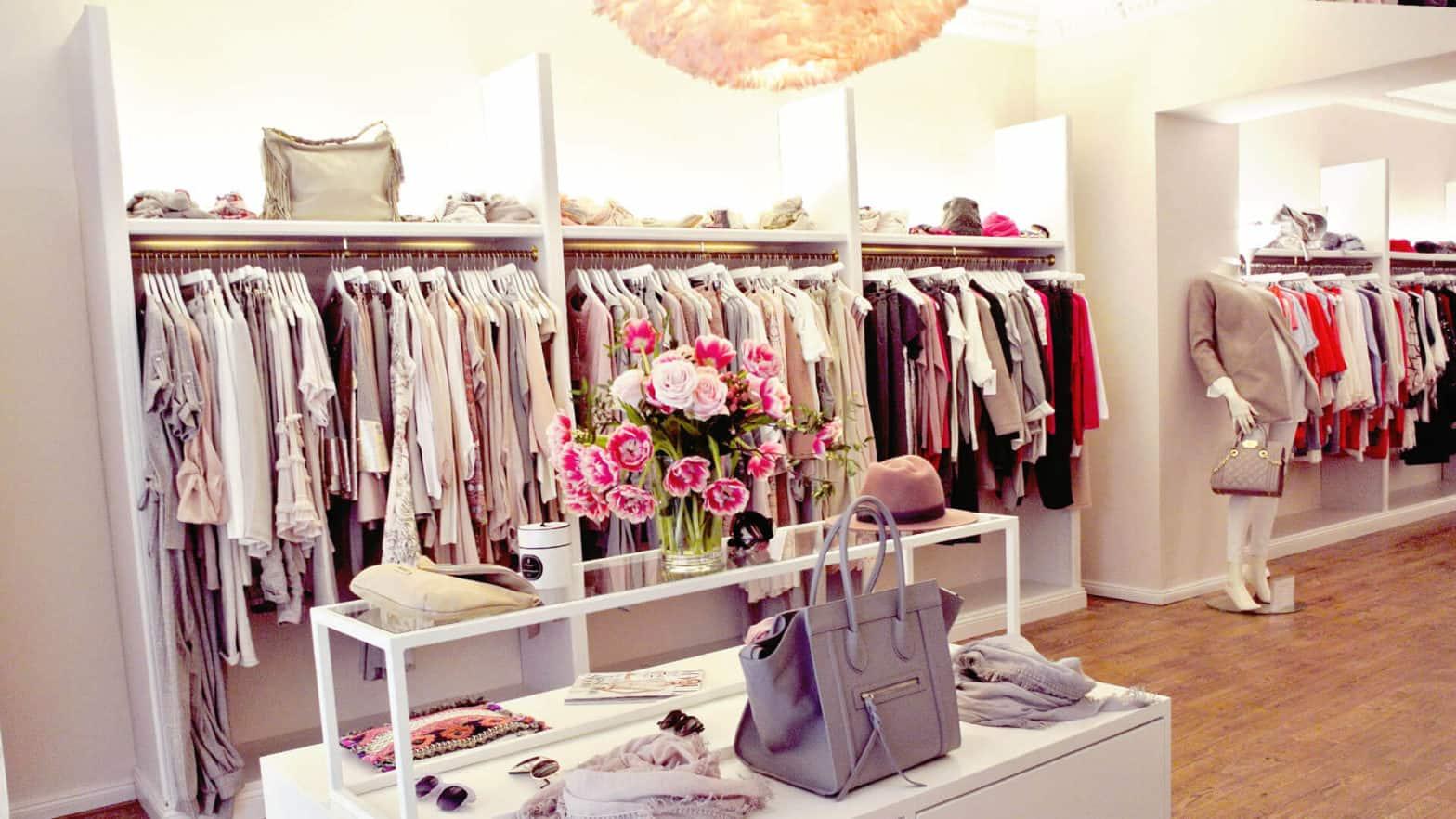 Luxusboutique mit Kleidung, Blumen und Accesoires Partner von Louisa's Place Hotel am Kudamm Berlin
