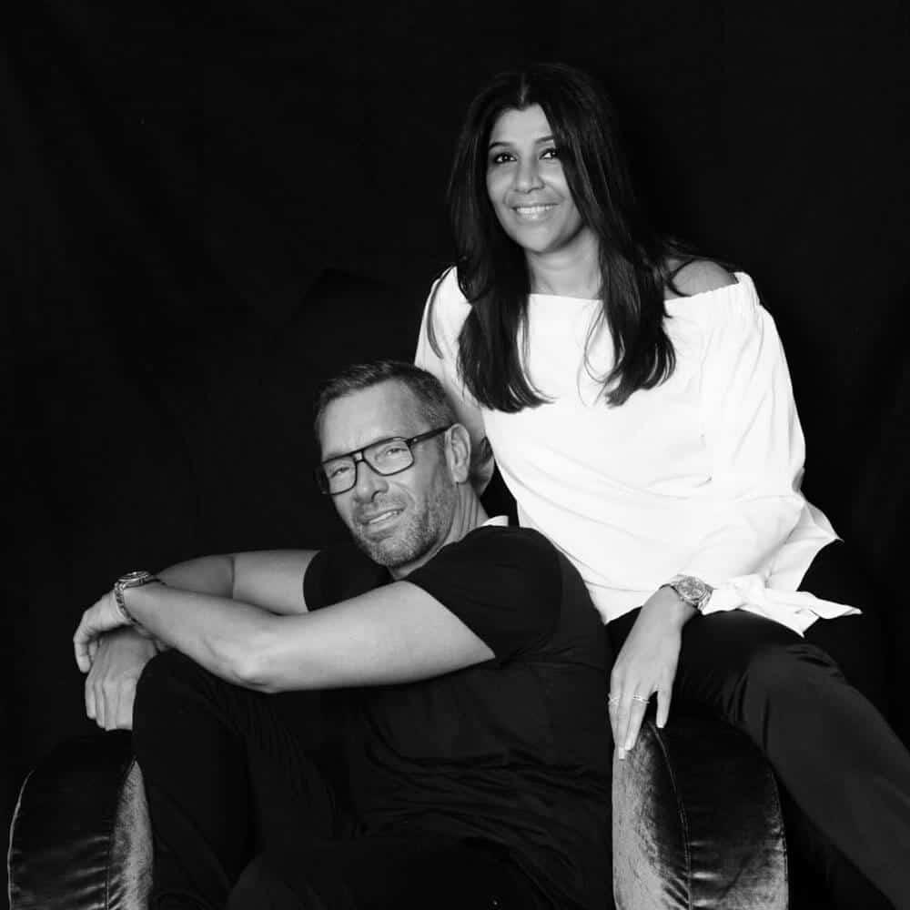 Schwarzweiß Portrait der beiden Hairstylisten des Hauses: Marcus & Mira